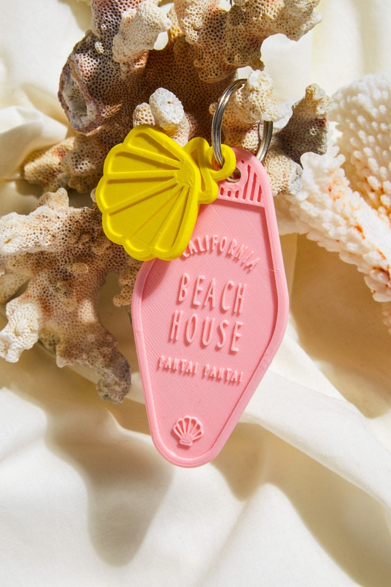 Surf lodge key chain + wave